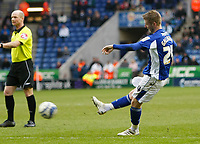 Photo: Steve Bond/Richard Lane Photography. Leicester City v Scunthorpe United. Coca Cola Championship. 13/02/2010. Paul Gallagher scores no3 from a free kick
