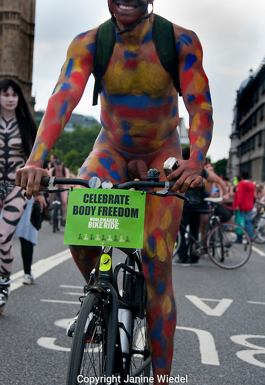 Naked cyclists rode through London to protest against oil dependency and celebrate the power of our bodies!