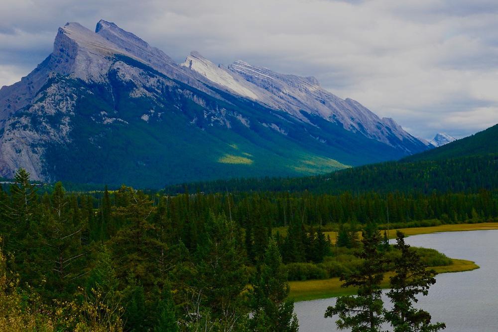 Canadian Rockies, Banff National Park, Bow River