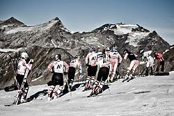 05.10.2011, Moelltaler Gletscher, Flattach, AUT, OeSV Medientag, im Bild Gruppe von ÖSV Rennläufern warten am Strat // During media day of Austria Ski Federation OeSV at Moelltaler glacier in Flattach, Carinthia, Austria on 5/10/2011. ***ACHTUNG BILD WURDE MIT DIGITALEN FILTERTECHNIKEN VERÄNDERT / NOTE, THE PICTURE HAS CHANGED WITH DIGITAL FILTERING *** EXPA Pictures © 2011, PhotoCredit: EXPA/ J. Groder