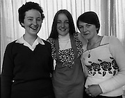 Seafood Cook in Rosslare 07/05/1976.05/07/1976.7th May 1976.From left to right Yvonne Cooney, Dominican Convent, Muckroos Park, Donnybrook, Dublin 4. Amanda Giblin, Holy Faith Convent, Dominick Street, Dublin 1. Pauline Newman, Colaiste Dhulaigh, Coolock, Dublin 5.