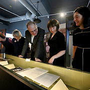 29.1.2019 NLI EU Commissioner visit Seamus Heaney exhibition