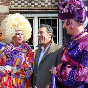 NLD/Volendam/20130423 - Presentatie L' Homo 2013, Frank Sanders en 2 travestieten