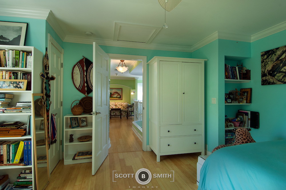 Real estate listing of luxury property in the El Cid historic section of West Palm Beach, Florida.