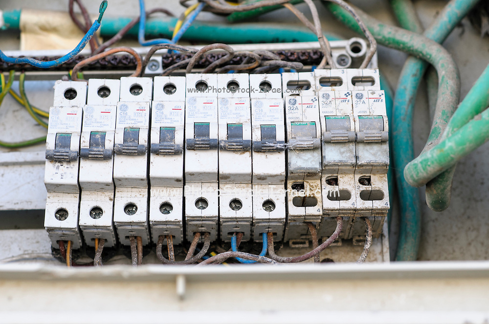 Faulty electrical fuse box