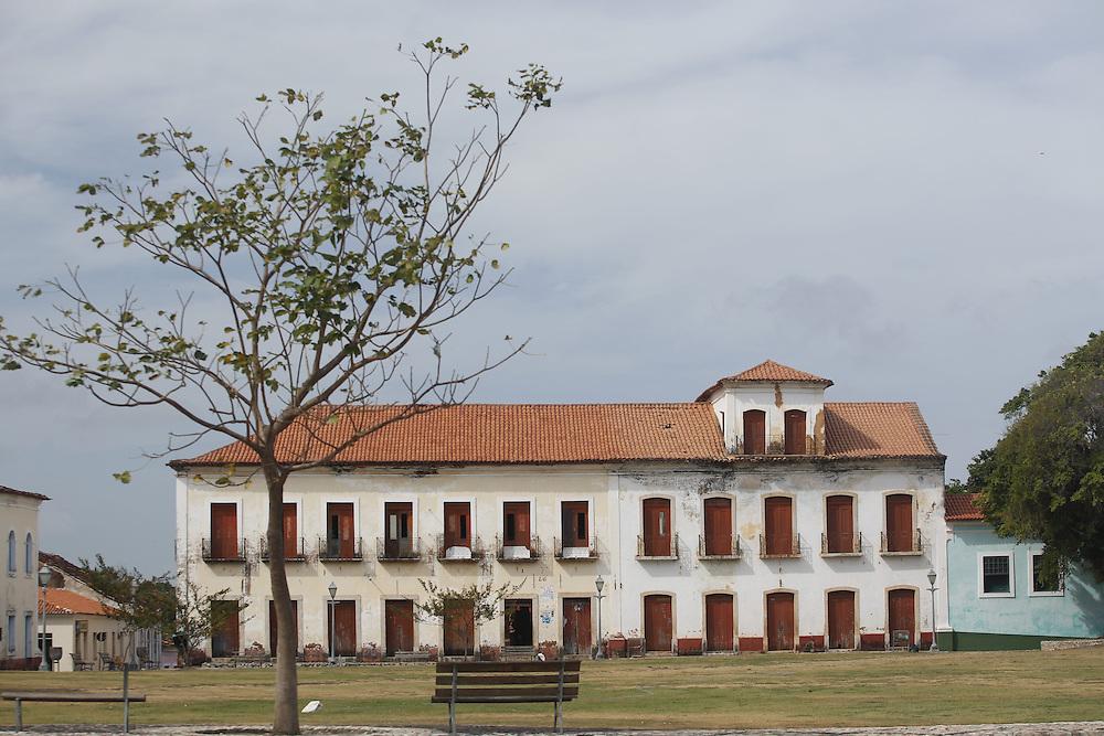 Alcantra_MA, Brasil.<br /> <br /> Prefeitura e Camara Municipal de Alcantara Maranhao.<br /> <br /> City Hall and Municipal Camara de Alcantara Maranhao.<br /> <br /> Foto: LEO DRUMOND / NITRO
