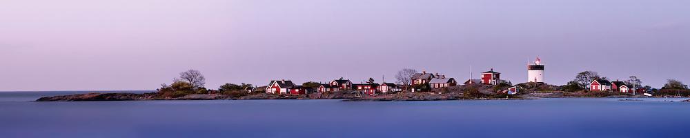 Sunset over Svartklubben near Grisslehamn, Sweden<br /> <br /> For a larger view visit: http://wp.me/P1307p-Yd