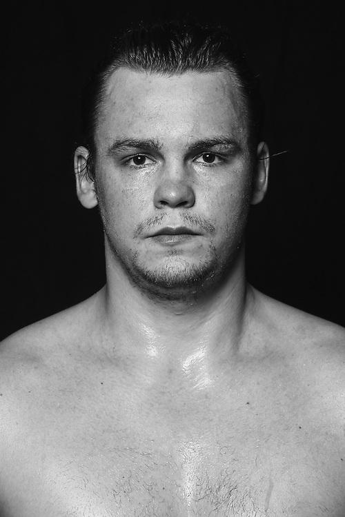 BOXEN: Studio, Portrait of a Boxer, Wismar, 10.10.2020<br /> Ilja Mezencev (GER)<br /> © Torsten Helmke