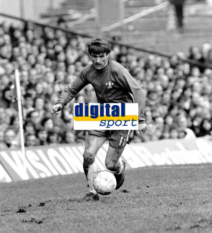Fotball<br /> England<br /> Foto: Colorsport/Digitalsport<br /> NORWAY ONLY<br /> <br /> Chelsea historikk<br /> Charlie Cooke - Chelsea. Chelsea v Middlesbrough  22/3/75.