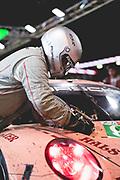 June 12-17, 2018: 24 hours of Le Mans. 92 Porsche GT Team, Porsche 911 RSR, Michael Christensen, Kevin Estre, Laurens Vanthoor , Pink Pig Porsche throwback livery , pitstop