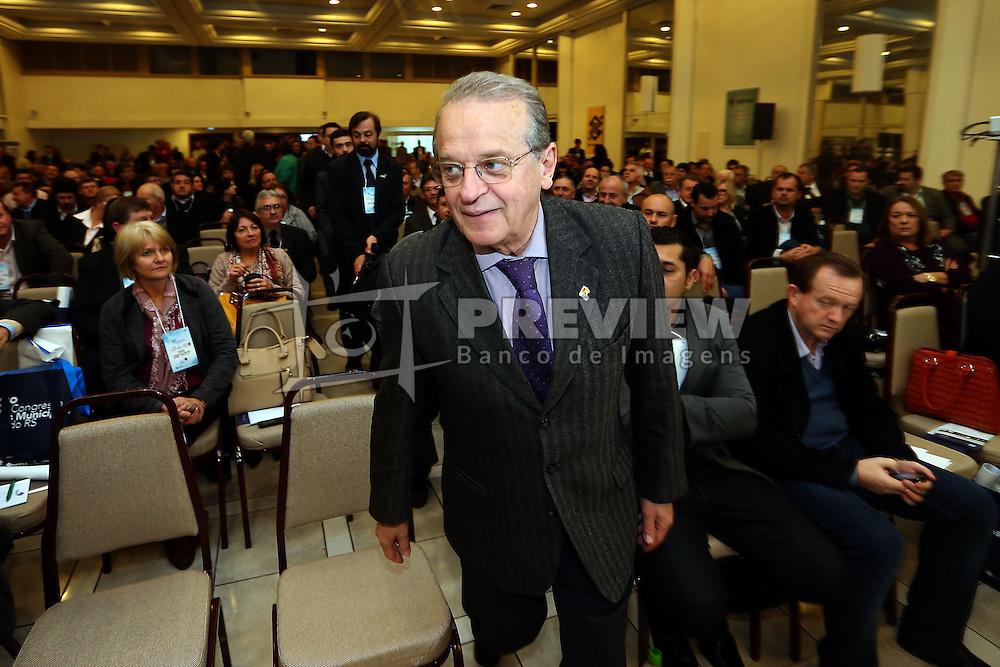 O candidato a reeleição e governador do Estado, Tarso Genro  durante o 34º Congresso de Municípios, no Plaza São Rafael, em Porto Alegre. FOTO: Jefferson Bernardes/ Agência Preview