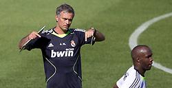16.07.2010, Real Madrid Soccer City, Madrid, ESP, Real Madrid Training, im Bild Jose Mourinho and Lassana Diarra, EXPA Pictures © 2010, PhotoCredit: EXPA/ Alterphotos/ ALFAQUI/ Cesar Cebolla / SPORTIDA PHOTO AGENCY