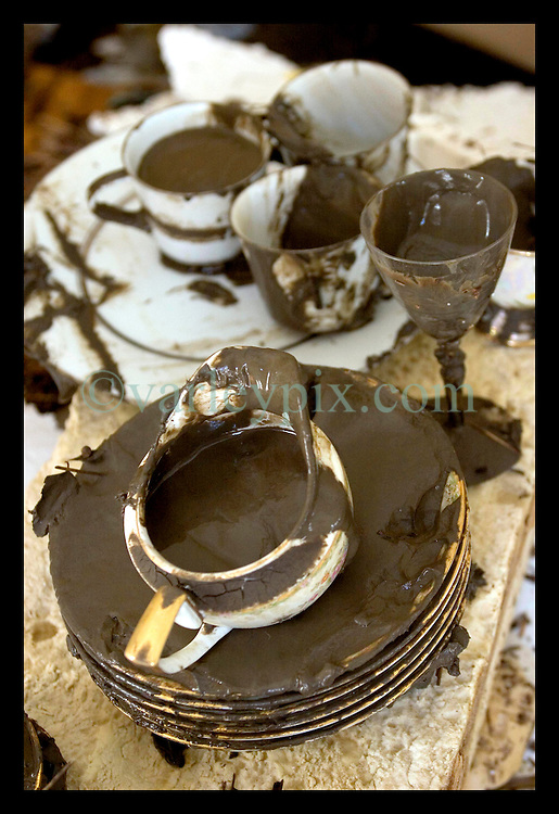 8th Sept, 2005. Hurricane Katrina aftermath. New Orleans. Venetian Isles in East New Orleans, where the tidal surge washed over the land and devastated homes and property. grandmother's precious china saved from the mud at John and Peggy Lala's mud filled flood ravaged home.