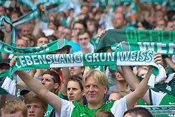06.08.2011, Weser Stadion, Bremen, GER, 1.FBL, Werder Bremen vs 1.FC Kaiserslautern, im Bild.Werder Fans mit Schal vor dem Spiel.// during the Match GER, 1.FBL, Werder Bremen vs 1.FC Kaiserslautern on 2011/08/06,  Weser Stadion, Bremen, Germany..EXPA Pictures © 2011, PhotoCredit: EXPA/ nph/  Kokenge       ****** out of GER / CRO  / BEL ******