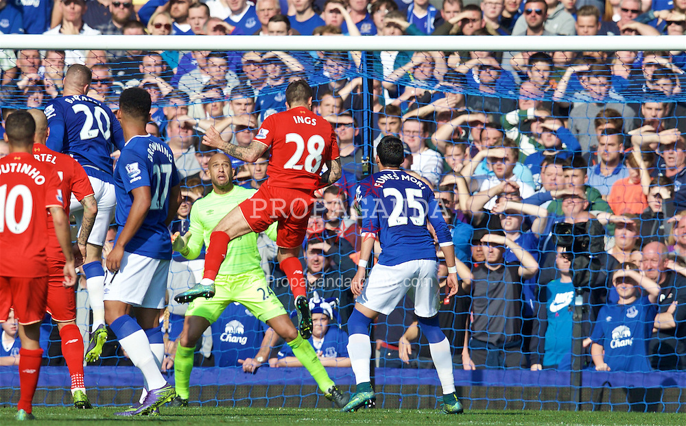 LIVERPOOL, ENGLAND - Sunday, October 4, 2015: Liverpool's Danny Ings scores the first goal against Everton during the Premier League match at Goodison Park, the 225th Merseyside Derby. (Pic by David Rawcliffe/Propaganda)