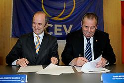 30-01-2010 VOLLEYBAL: CEV MEETING: DEN HAAG<br /> Vergadering van de CEV board in het Mercure hotel / Ondertekening Andre Meyer<br /> ©2010-WWW.FOTOHOOGENDOORN.NL
