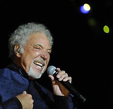 Tom Jones Performing in Turkey 26-6-12