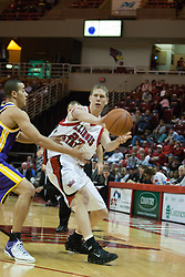 14 October 2006:  Mark Kruse makes a pass to the inside.....In a game that involved both coaches as much as the players, the Northern Iowa Panthers plucked the Illinois State University Redbirds in a Missouri Valley Conference game by a score of 67 - 52. Competition took place at Redbird Arena in Normal Illinois