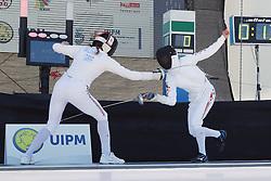 30.06.2015, Olympiapark Berlin, Berlin, GER, moderner Fünfkampf WM, Staffelbewerb Damen, im Bild Eilidh Prise (Grossbritanien) gegen Rena Shimazu (Japan) // during Women's relay race of the the world championship of Modern Pentathlon at the Olympiapark Berlin in Berlin, Germany on 2015/06/30. EXPA Pictures © 2015, PhotoCredit: EXPA/ Eibner-Pressefoto/ Hundt<br /> <br /> *****ATTENTION - OUT of GER*****