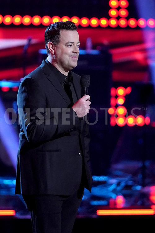 """THE VOICE  -- """"Knockout Rounds"""" Episode 2010 --  Pictured: Carson Daly -- (Photo by: Tyler Golden/NBC)"""