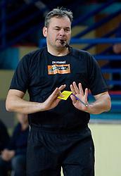 Referee Dusan Derzek at 1st MIK Handball League match between RD Merkur Skofja Loka and RK Celje Pivovarna Lasko, on February 6, 2010 in Arena Poden, Skofja Loka, Slovenia. The teams drew a tie 28:28. (Photo by Vid Ponikvar / Sportida)