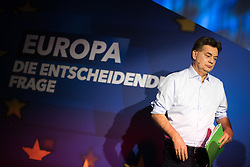 12.05.2019, Puls4 Studio, Wien, AUT, Puls4, Elefantenrunde zur Europawahl 2019, im Bild EU-Spitzenkandidat Werner Kogler (Grüne) // during political discussion due to elections of the european parliament 2019 in Vienna, Austria on 2019/05/12, EXPA Pictures © 2019, PhotoCredit: EXPA/ Michael Gruber