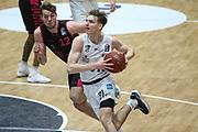 Basketball: Deutschland, 1. Bundesliga, Hamburg Towers -  Telekom Baskets Bonn, Hamburg, 12.02.2021<br /> Kilian Binapfl (Bonn, l.) - Justus Hollatz (Towers)<br /> © Torsten Helmke