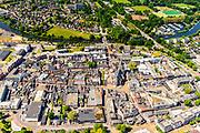 Nederland, Gelderland, Achterhoek, 29-05-2019; overzicht binnenstad Doetinchem, met Sint Catharinakerk op het Simonsplein. De stad ligt aan rivier de Oude IJssel,<br /> Overview city center Doetinchem.<br /> <br /> luchtfoto (toeslag op standard tarieven);<br /> aerial photo (additional fee required);<br /> copyright foto/photo Siebe Swart