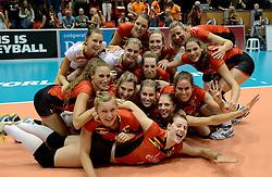 10-08-2014 NED: FIVB Grand Prix Belgie - Puerto Rico, Doetinchem<br /> Vreugde bij Yellow Tigers, Belgie team