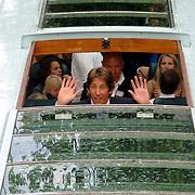 NLD/Amsterdam/20060520 - Huwelijk Edwin van der Sar en Annemarie van Kesteren, rondvaartboot, Edwin van der Sar