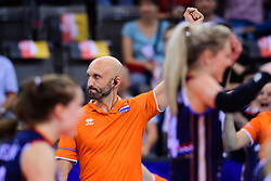 12.06.2018, Porsche Arena, Stuttgart<br /> Volleyball, Volleyball Nations League, Türkei / Tuerkei vs. Niederlande<br /> <br /> Jubel Jamie Morrison (Trainer NED)<br /> <br /> Foto: Conny Kurth / www.kurth-media.de