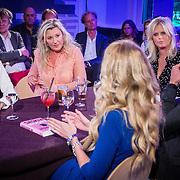 NLD/Amsterdam/20160705 - Boekpresentatie Huidpijn van Sakia Noort, rondetafelgesprek, Eva Jinek, Sakia en Antoinette Scheulderman, beau van Erven Dorens