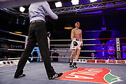 Boxen: Universum Boxpromotion, Fightnight, Hamburg, 24.04.2021<br /> Eris Bajra (SUI) - Mykhailo Sovtus (UKR)<br /> © Torsten Helmke