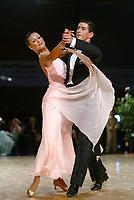Drammen 06042003 NM i Dans i Konnerudhallen. Standarddanser. Monika Nydal Adolfsen og Eirik Nydal Adolfsen<br /> <br /> Foto:Digitalsport