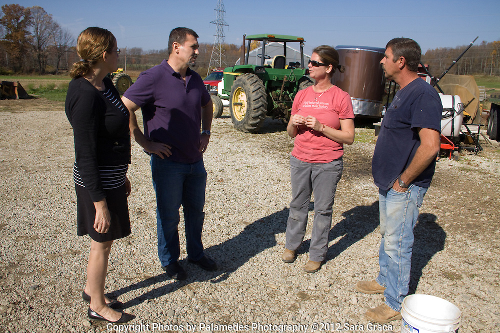 Owners of the Blue Door Cafe, Mike and Martina Bruno, visit the farm for the first time. They are the most recent business to start using Breakneck Acre's speciality grains in their products.