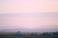 Mongolie. Desert de Gobi. Region de Dalanzadgad. Village de Moron, hotel Three Camel Lodge // Mongolia. Gobi desert. Dalanzadgad area. Moron village. Three camel lodge tourist camp