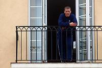 Fotball - Treningsleir La Manga 12. mars 2002 - Andreas Augustsson, Vålerenga fotografert på ballkongen utenfor hotellrommet han bodde på. <br /> <br /> Foto: Andreas Fadum, Digitalsport