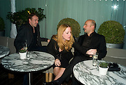 MARK GRIFFITHS, GILLIAN ANDERSON AND MARC QUINN , ESQUIRE Editor Jeremy Langmead hosts a Salon/ dinner in honour of Casey Affleck. SUKA at Sanderson Hotel, 15 Berners Street, London. 28 May 2008 *** Local Caption *** -DO NOT ARCHIVE-© Copyright Photograph by Dafydd Jones. 248 Clapham Rd. London SW9 0PZ. Tel 0207 820 0771. www.dafjones.com.