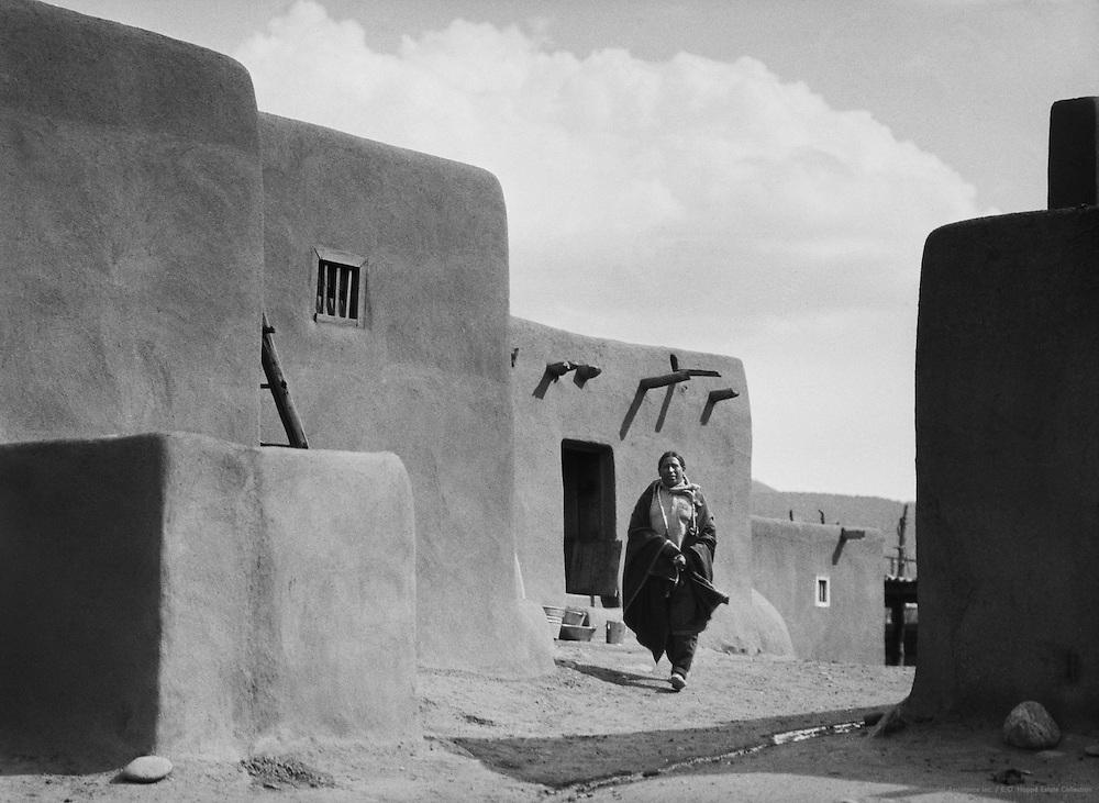 Indian in a blanket, San Geronimo de Taos, New Mexico, USA, 1926
