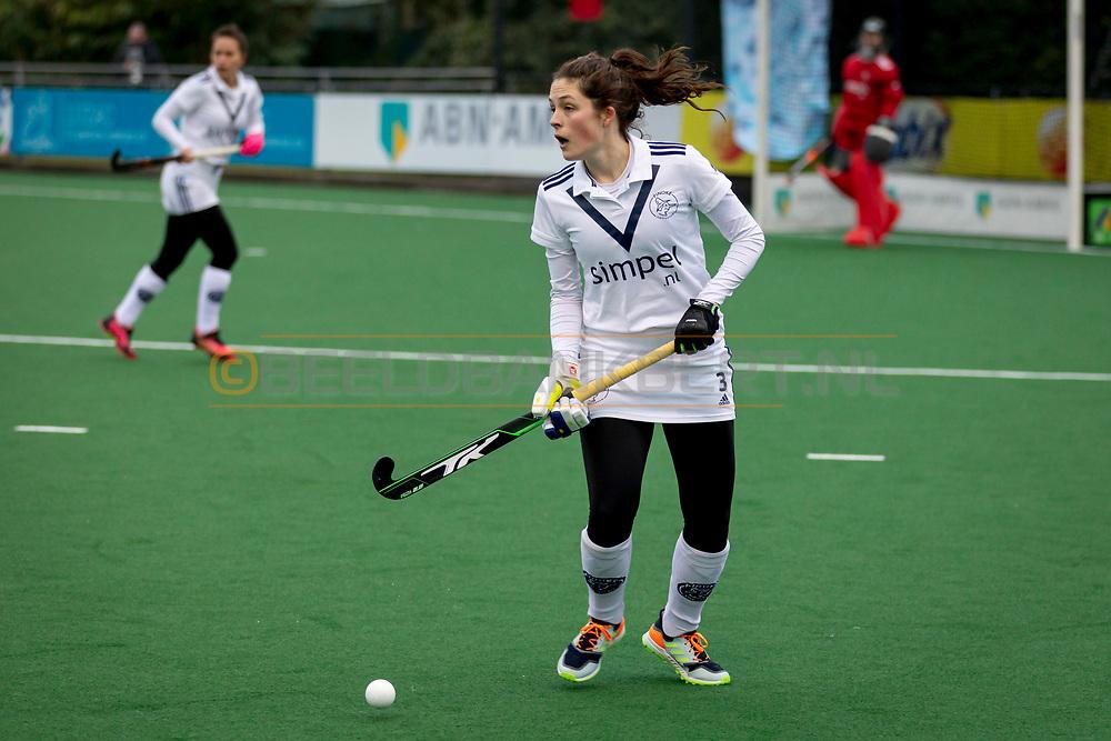 LAREN -  Hockey Hoofdklasse Dames: Laren v Pinoké, seizoen 2020-2021. Foto: Frances Westenberg (Pinoké)