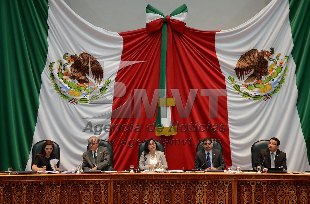 Toluca, México ( Octubre 27, 2016).- Aspectos de la sesión del primer periodo ordinario del segundo en la Cámara de diputado del Estado de México. Agencia MVT / Arturo Hernández.