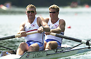 Lucerne, SWITZERLAND, GBR m2- [left] Matthew Pinsent and James Cracknell, start the first race of the 2001 World Rowing Championships  heat of the  men's coxed pair (cox Neil Chugani.) at the 2001World Rowing Championships,  [Credit, Peter Spurrier/Intersport-images] 20010819 FISA World Rowing Championships, Lucerne, SWITZERLAND