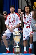 DESCRIZIONE : Final Eight Coppa Italia 2015 Finale Olimpia EA7 Emporio Armani Milano - Dinamo Banco di Sardegna Sassari<br /> GIOCATORE : Angelo Gigli David Moss<br /> CATEGORIA : delusione postgame composizione<br /> SQUADRA : EA7 Emporio Armani Milano<br /> EVENTO : Final Eight Coppa Italia 2015<br /> GARA : Olimpia EA7 Emporio Armani Milano - Dinamo Banco di Sardegna Sassari<br /> DATA : 22/02/2015<br /> SPORT : Pallacanestro <br /> AUTORE : Agenzia Ciamillo-Castoria/Max.Ceretti