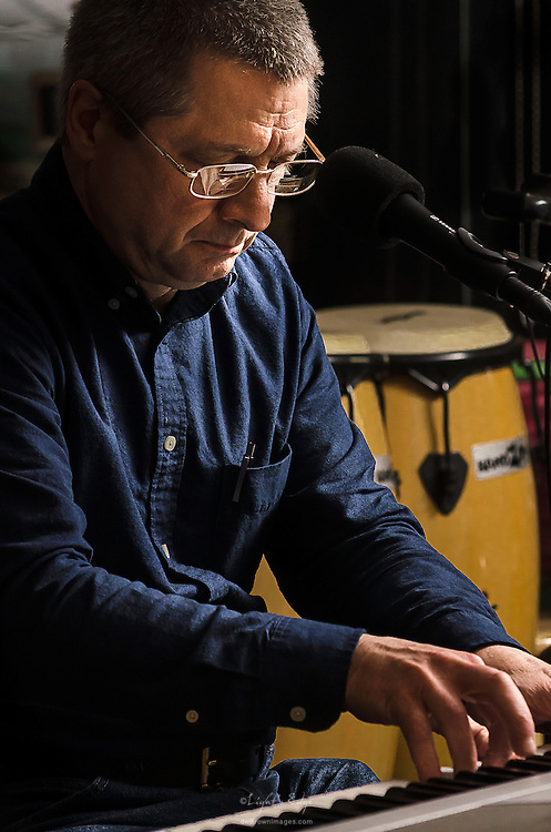Alan Hamilton and the keyboard with String Theory's performance at the Bus Stop Music Cafe in Pitman, NJ>