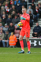 Football - 2017 / 2018 Premier League - Southampton vs. Everton<br /> <br /> Jordan Pickford of Everton at St Mary's Stadium Southampton<br /> <br /> COLORSPORT/SHAUN BOGGUST