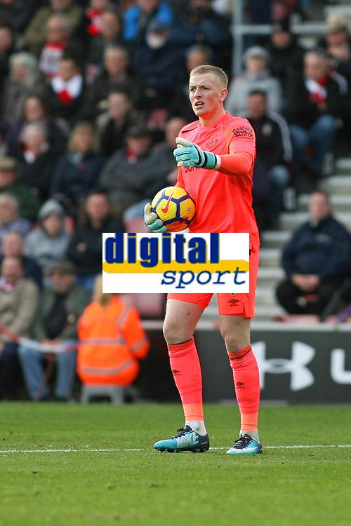 Football - 2017 / 2018 Premier League - Southampton vs. Everton<br /> <br /> Jordan Pickford of Everton at St Mary's Stadium Southampton<br /> <br /> COLORSPORT/SHAUN BOGGUST