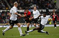 Photo: Steve Bond/Sportsbeat Images.<br />Derby County v Blackburn Rovers. The FA Barclays Premiership. 30/12/2007. Roque Santa Cruz (C) gets a shot away as Michael Johnson (R) slides in