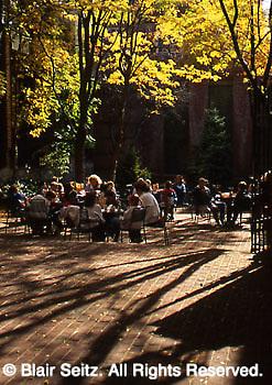 Lancaster city park, noon lunch time, Lancaster, PA downtown, Steinman Park