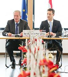 12.01.2015, Wolke 19, Wien, AUT, ÖVP, Bundesparteivorstand zum ÖVP-Jahresauftakt 2015 unter dem Titel: Wir sorgen für Bewegung. im Bild v.l.n.r. Vizekanzler und Minister fuer Wirtschaft und Wissenschaft Reinhold Mitterlehner (ÖVP) und ÖVP Generalsekretär Gernot Blümel // f.l.t.r. Vice Chancellor of Austria and Minister of Science and Economy Reinhold Mitterlehner (OeVP) and Secretary General of OeVP Gernot Bluemel during first board meeting 2015 of the austrian people's party at Wolke19 in Vienna, Austria on 2015/01/12. EXPA Pictures © 2015, PhotoCredit: EXPA/ Michael Gruber