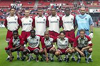 Fotball<br /> Frankrike 2004/04<br /> Paris Saint Germain<br /> Foto: Digitalsport<br /> NORWAY ONLY<br /> Lagbilde PSG<br /> (FRONT ROW LEFT TO RIGHT : BARTHOLOMEW OGBECHE / BERNARD MENDY / PAULO CESAR / FABRICE FIORESE / FREDERIC DEHU . BACK ROW : TALAL EL KARKOURI / LIONEL POTILLON / JEROME LEROY / JOSE PIERRE-FANFAN / KABA DIAWARA / JEROMEM ALONZO )